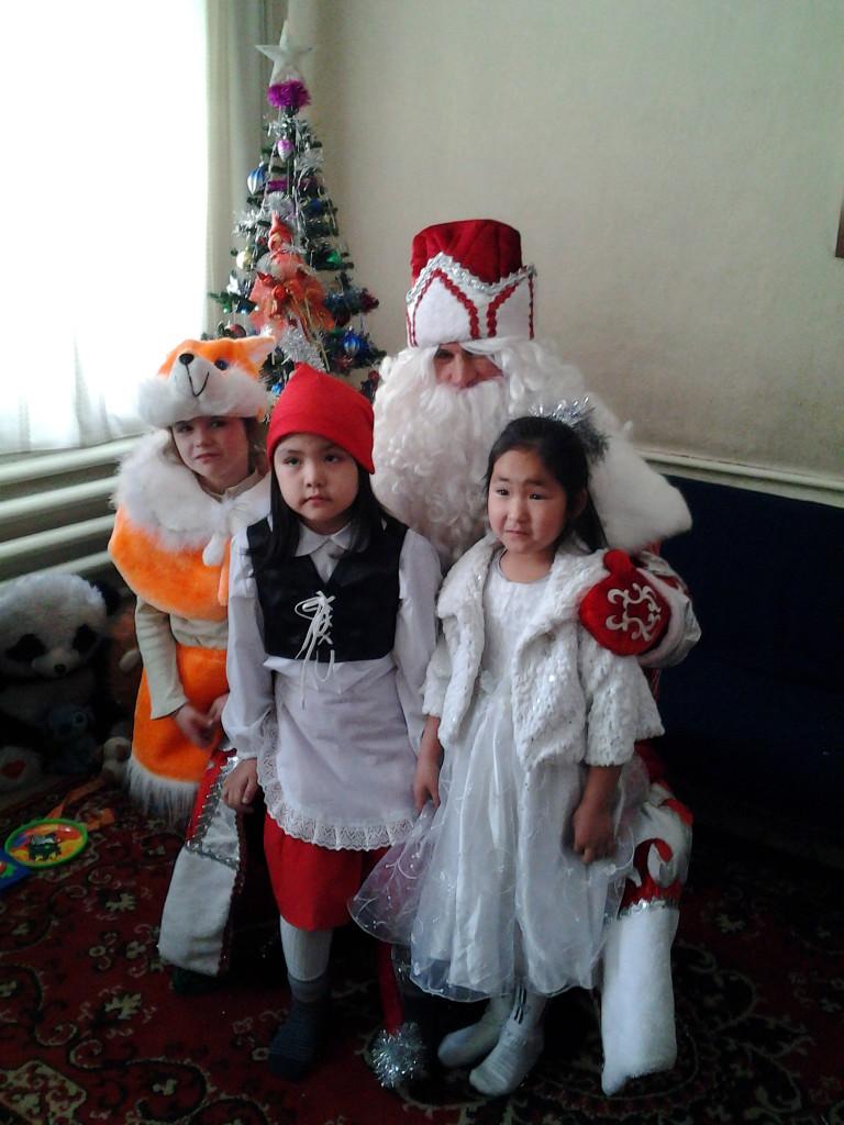 Заказ Деда Мороза и Снегурочки для поздравления в Алматы